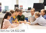 Купить «happy children with laptop at robotics school», фото № 24922248, снято 23 октября 2016 г. (c) Syda Productions / Фотобанк Лори