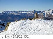 Купить «Handmade pyramids on observation point in French Alps, Chamonix», фото № 24923132, снято 31 декабря 2016 г. (c) Юлия Кузнецова / Фотобанк Лори