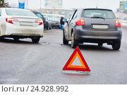 Купить «streea car crash collision accident», фото № 24928992, снято 3 декабря 2014 г. (c) Дмитрий Калиновский / Фотобанк Лори