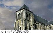Купить «The medieval district of the city Tours, France», видеоролик № 24990636, снято 28 января 2017 г. (c) Владимир Журавлев / Фотобанк Лори