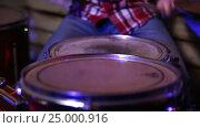 Купить «Drum sticks hitting the drum closeup», видеоролик № 25000916, снято 26 января 2017 г. (c) Швец Анастасия / Фотобанк Лори