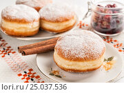 Donuts and jam in dishes. Стоковое фото, фотограф Анастасия Богатова / Фотобанк Лори