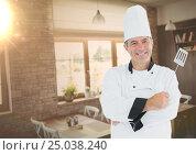 Купить «Male chef holding frying spoon in restaurant», фото № 25038240, снято 25 февраля 2020 г. (c) Wavebreak Media / Фотобанк Лори