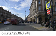 Nevsky Prospect time-lapse photography near Vosstaniya square and Moscow railway station, Saint-Petersburg (2016 год). Редакционное видео, видеограф Владимир Ковальчук / Фотобанк Лори