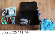 Купить «hands packing travel bag with personal stuff», видеоролик № 25111744, снято 13 января 2017 г. (c) Syda Productions / Фотобанк Лори