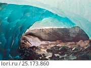 Ice cave melting in Mendenhall Glacier, Juneau, Alaska, USA, August 2014. Стоковое фото, фотограф Floris van Breugel / Nature Picture Library / Фотобанк Лори