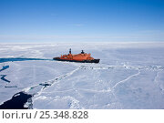"Купить «Aerial view of the worlds largest nuclear icebreaker, ""NS 50 Lyet Pobyedi"" (50 years of Victory) on the way to the North Pole, Russian Arctic, July 2008», фото № 25348828, снято 23 апреля 2018 г. (c) Nature Picture Library / Фотобанк Лори"