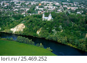 Купить «The town of Trubchevsk, with its C16th Trinity Cathedral on the Desna River, Russia.», фото № 25469252, снято 19 июня 2019 г. (c) Nature Picture Library / Фотобанк Лори