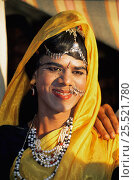 Купить «Transvestite dancer dressed in traditional sari and heavy make-up, India», фото № 25521780, снято 27 июня 2019 г. (c) Nature Picture Library / Фотобанк Лори