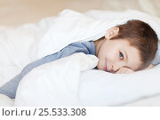 Child wakes up in the morning. Стоковое фото, фотограф Алена Роот / Фотобанк Лори