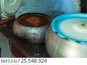Купить «cooking meals in a Russian stove», фото № 25548924, снято 17 сентября 2016 г. (c) Jan Jack Russo Media / Фотобанк Лори