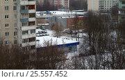 Купить «Зима в городе. Таймлапс», видеоролик № 25557452, снято 14 февраля 2017 г. (c) Сергей Лаврентьев / Фотобанк Лори