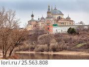 Новоторжский Борисоглебский мужской монастырь, эксклюзивное фото № 25563808, снято 13 апреля 2015 г. (c) Александр Гаценко / Фотобанк Лори