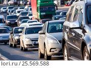 Купить «Traffic jam on the highway», фото № 25569588, снято 23 сентября 2015 г. (c) Юрий Губин / Фотобанк Лори