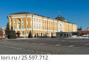 Московский Кремль, Вид на здание Сената, построен 1776 - 1787 годы по проекту архитектора М.Ф. Казакова (2017 год). Стоковое фото, фотограф Алексей Голованов / Фотобанк Лори