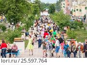 Купить «Кумертау», фото № 25597764, снято 9 июня 2013 г. (c) Владимир Ковальчук / Фотобанк Лори