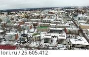 Купить «Вид на город Лаппеенранта со стороны озера Сайма в зимнее время года, полет к центру. Финляндия», видеоролик № 25605412, снято 22 февраля 2017 г. (c) Кекяляйнен Андрей / Фотобанк Лори