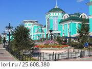 Город Омск, железнодорожный вокзал Омск-пригородный, фото № 25608380, снято 26 августа 2016 г. (c) Виктор Топорков / Фотобанк Лори