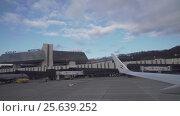 Купить «Taxiing aircraft on the runway in Sochi International Airport view from window stock footage video», видеоролик № 25639252, снято 27 января 2017 г. (c) Юлия Машкова / Фотобанк Лори