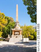 Купить «Monument to Fallen Heroes Plaza de la Lealtad, s/n 28014 Madrid Испания», эксклюзивное фото № 25665688, снято 5 октября 2012 г. (c) Владимир Чинин / Фотобанк Лори