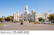 Купить «Palacio de Cibeles in sunny day. Madrid, Spain  28014  Испания», эксклюзивное фото № 25665692, снято 5 октября 2012 г. (c) Владимир Чинин / Фотобанк Лори