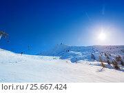 Купить «Beautiful mountain scene at alpine ski resort», фото № 25667424, снято 18 декабря 2016 г. (c) Сергей Новиков / Фотобанк Лори