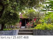 Купить «side view with Leelavadee plumera flowers in Buddhist Monastery Brahma Vihara Ashrama, Wihara Buddha Banjar, Bali, Indonesia», фото № 25697468, снято 26 марта 2014 г. (c) mauritius images / Фотобанк Лори