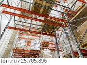 Купить «cargo boxes storing at warehouse shelves», фото № 25705896, снято 2 декабря 2015 г. (c) Syda Productions / Фотобанк Лори