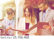 Купить «business team with tablet pc and folders at office», фото № 25706488, снято 3 июля 2016 г. (c) Syda Productions / Фотобанк Лори