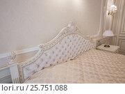 Спальная комната в белых тонах. Стоковое фото, фотограф Бубнов Дмитрий / Фотобанк Лори