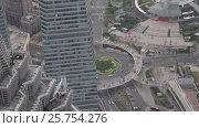 Купить «Китай, Шанхай. Вид сверху. Люди на пешеходном переходе.», видеоролик № 25754276, снято 9 апреля 2016 г. (c) Андрей Пожарский / Фотобанк Лори