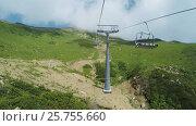 Купить «Lifts in mountains in summer», видеоролик № 25755660, снято 3 апреля 2016 г. (c) Потийко Сергей / Фотобанк Лори
