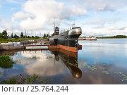 Купить «Музей дизельная подводная лодка Б-440 в Вытегре», фото № 25764244, снято 13 июля 2015 г. (c) Евгений Кашпирев / Фотобанк Лори