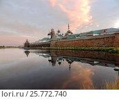 Купить «Соловецкий монастырь со стороны Святого озера», фото № 25772740, снято 6 августа 2016 г. (c) Заноза-Ру / Фотобанк Лори