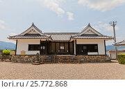 Купить «Ворота Акаганэмон замка Фукутияма, Япония. Замок основан в 1579 г. полководцем Акэти Мицухидэ», фото № 25772868, снято 29 июля 2016 г. (c) Иван Марчук / Фотобанк Лори