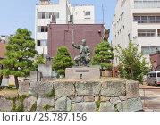 Памятник полководцу Сибата Кацуиэ на руинах замка Китаносё, г. Фукуи, Япония, фото № 25787156, снято 2 августа 2016 г. (c) Иван Марчук / Фотобанк Лори