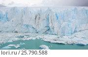Купить «View of the Perito Moreno glacier in the national Park Los Glaciares in Argentina», видеоролик № 25790588, снято 9 марта 2017 г. (c) Яков Филимонов / Фотобанк Лори