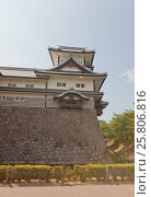 Купить «Реконструированная башня Хиси замка Канадзава, г. Канадзава, Япония», фото № 25806816, снято 3 августа 2016 г. (c) Иван Марчук / Фотобанк Лори
