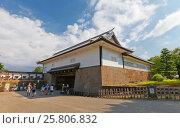 Купить «Ворота Исикавамон (сохранились со времен реконструкции 1788 г.) замка Канадзава, г. Канадзава, Япония», фото № 25806832, снято 3 августа 2016 г. (c) Иван Марчук / Фотобанк Лори