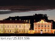 Купить «Дворец Петра II и Ректорский флигель на Университетской набережной ночью. Санкт-Петербург», фото № 25831596, снято 5 сентября 2016 г. (c) A Челмодеев / Фотобанк Лори