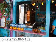Пункт быстрого питания. Стамбул. Турция. Редакционное фото, фотограф Dan / Фотобанк Лори