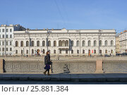 Купить «Вид на реку Фонтанку и Шуваловский дворец в Санкт-Петербурге», эксклюзивное фото № 25881384, снято 1 апреля 2017 г. (c) Александр Алексеев / Фотобанк Лори