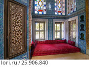 Купить «One of the Sultan's meeting rooms in Topkapi Palace in Istanbul, Turkey», фото № 25906840, снято 21 марта 2019 г. (c) BE&W Photo / Фотобанк Лори