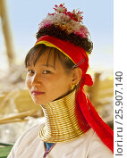 Купить «Young girl from the Padaung long neck hill tribe, Tha Ton, Chiang Mai Province, Thailand», фото № 25907140, снято 22 сентября 2019 г. (c) BE&W Photo / Фотобанк Лори