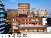 Купить «Москва, современная городская застройка в Хамовниках», фото № 25922852, снято 6 апреля 2017 г. (c) glokaya_kuzdra / Фотобанк Лори
