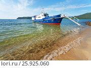 Купить «Озеро Байкал летом. Путешествия на теплоходе по Чивыркуйскому заливу», фото № 25925060, снято 17 августа 2011 г. (c) Виктория Катьянова / Фотобанк Лори