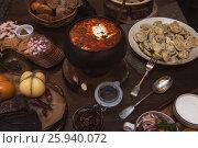 Купить «Russian borsch at pot», фото № 25940072, снято 2 февраля 2017 г. (c) Jan Jack Russo Media / Фотобанк Лори