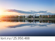 Купить «Sunset landscape in Tver near the Volga and Voskresenskaya church on the shore», фото № 25950488, снято 3 мая 2016 г. (c) Baturina Yuliya / Фотобанк Лори