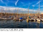 Spain. marina in Barcelona. (2017 год). Редакционное фото, фотограф Александр Овчинников / Фотобанк Лори