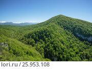 Купить «Russia, Sochi. A view of Mount Akhun from the observation deck on Eagle rocks.», фото № 25953108, снято 23 апреля 2016 г. (c) Иван Аборнев / Фотобанк Лори